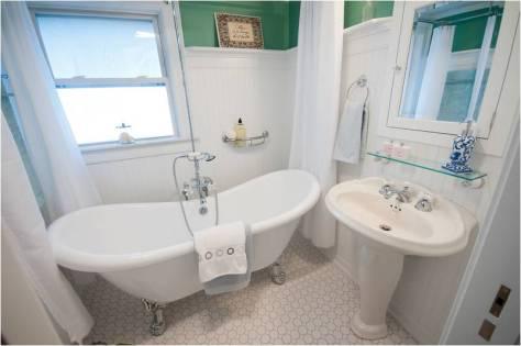 Reynolds=Poulin bathroom